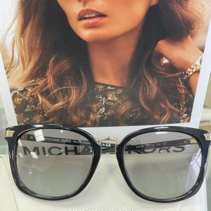 Brand New Woman's Latest sunglass MK2097 B…
